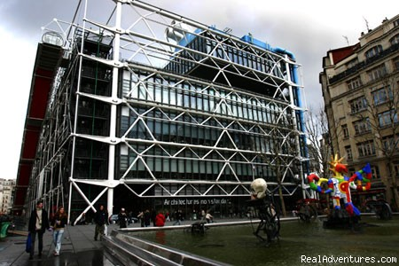 Afternoon visits in Paris - at Beaubourg - French Summer courses in Paris for Juniors