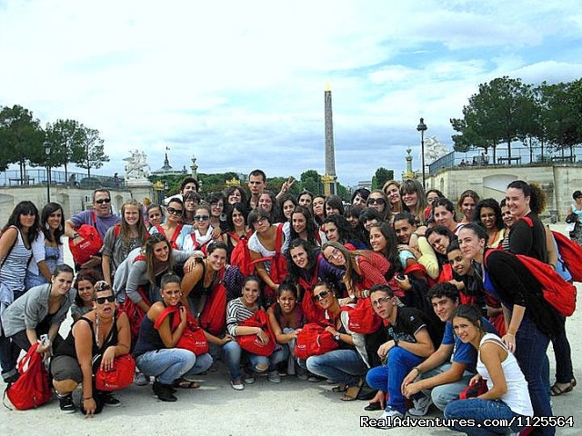 nearby the Place de la Concorde - French Summer courses in Paris for Juniors