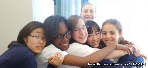 Friends from +40 different countries - French Summer courses in Paris for Juniors
