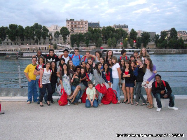 at the Seine river - French Summer courses in Paris for Juniors