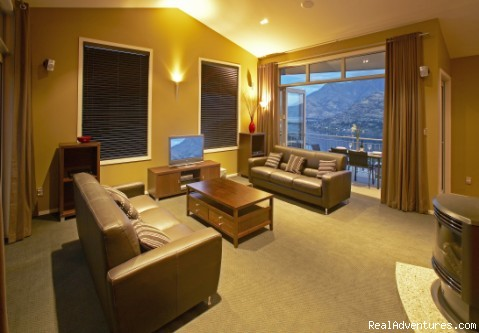 Main lounge - Spaview Luxury Villa in Queenstown, New Zealand