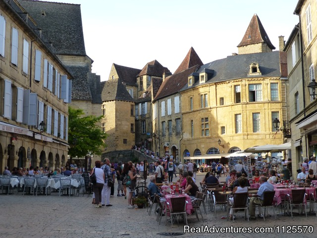 Bustling Sarlat - Cycle The Dordogne