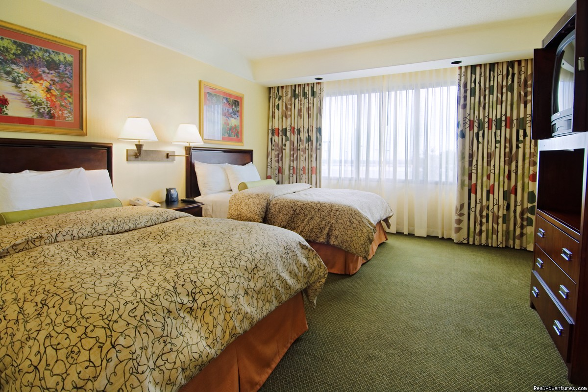 Double Bed Suite | Image #3/3 | Embassy Suites Hotel Secaucus-Meadowlands