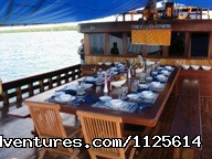 Exceptional Big Table - Enjoy watching bird and Komodo Dragona nd Diving