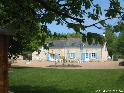 Luxury accommodation either self catering in a newly renovated cottage equipped with everything you could want, or bed and breakfast with heated swimming pool, boules court and surrounded by woodland, excellent base for exploring the loire valley