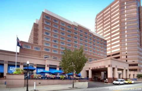 Front View (#1 of 1) - Embassy Suites Hotel Cincinnati-Rivercenter/Coving