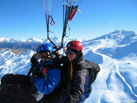 Winter tandem flights - Coronet Peak Tandem Paragliding and Hang Gliding
