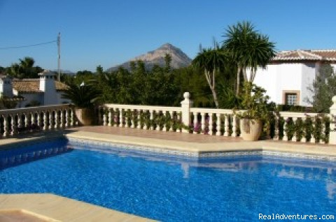 Holiday Rentals - Apartments and Villas with pools