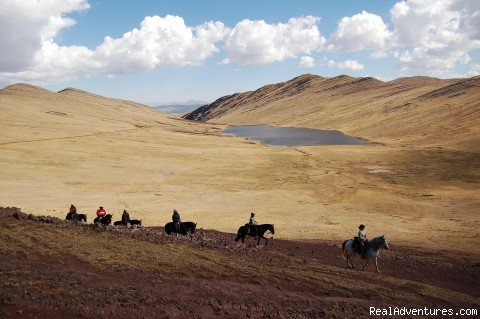 Sacred Valley Ride | Image #6/6 | exclusive horseback riding tours in Peru