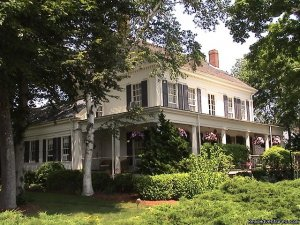 Romantic Cape Cod B&B Captain Farris House Bed & Breakfasts South Yarmouth, Massachusetts