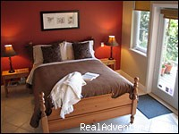 Gibsons - Deer Fern Bed and Breakfast