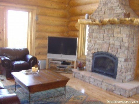 Great Room | Image #2/4 | Ski and Stay at a Log Home with Breathtaking Views