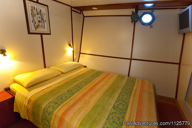 MY Emanuel -Double bed cabin - Emanuel Cruises