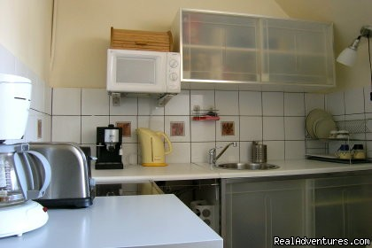 Fully equipped kitchen - KrakowRentals - Kazimierz Apartment