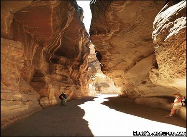 Enjoy Petra and Wadi Rum With FM-tours: