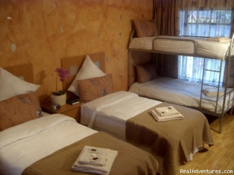 FAMILY ROOM - Africa Centre Or Tambo Airport Leisure Hotel