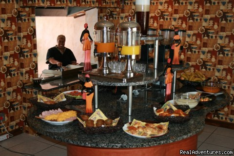 BREAKFAST AREA - Africa Centre Or Tambo Airport Leisure Hotel