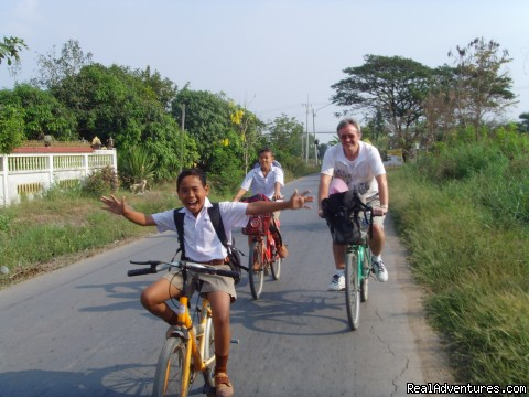 Cycling With Local Children - Bangkok & Countryside Bicycle Absolute Explorer