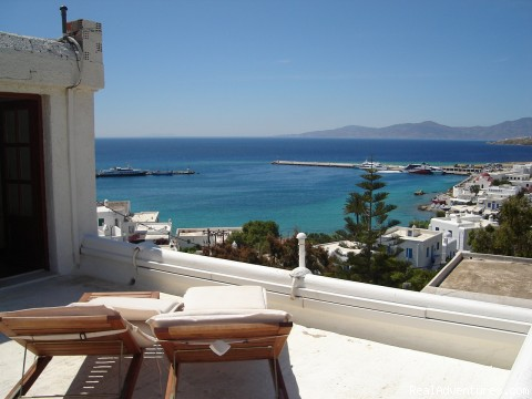 SEA VIEW OF A SUITE AT THE PORT/TOWN OF MYKONOS - Live Your Myth In Mykonos At Ranias Apartments