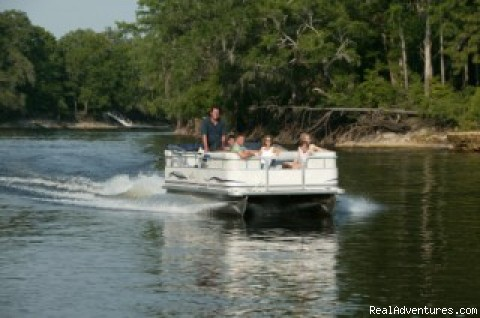 20 ft Sunchaser Pontoon Boat available for rent - Secluded Suwannee River Retreat