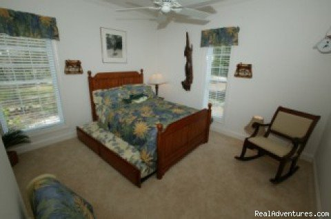 Bedroom 3, with double bed and trundle bed | Image #8/11 | Secluded Suwannee River Retreat