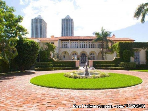 - Lavish Living Luxury Rentals