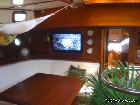 Image #10 of 11 - Caribbean Sailing Charter