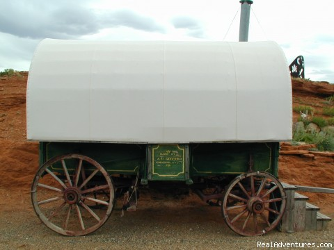 Refurbished 1870s Sheepherder Wagon - Experience the West at K3 Guest Ranch B&B!