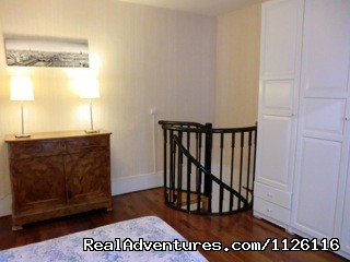 Spiral staircase - Top location large apt Champs-Elysees Eiffel Tower
