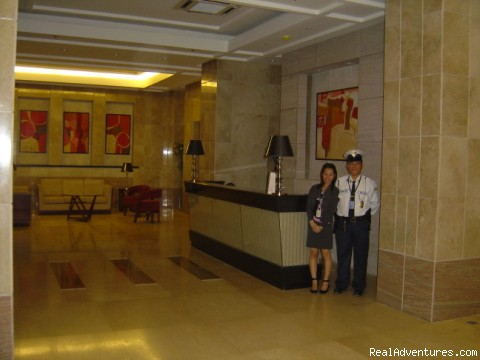 Greenbelt parkplace 1 bed holiday rental Makati  lobby full security 24hrs