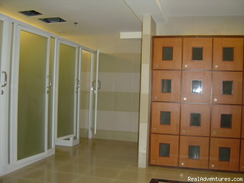 locker rooms - Greenbelt parkplace 1 bed holiday rental Makati