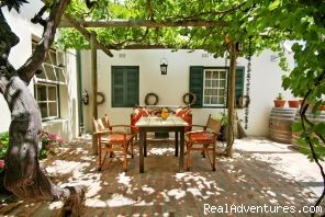 breakfast alfresco - Malherbe Guesthouse - Montagu - Western Cape