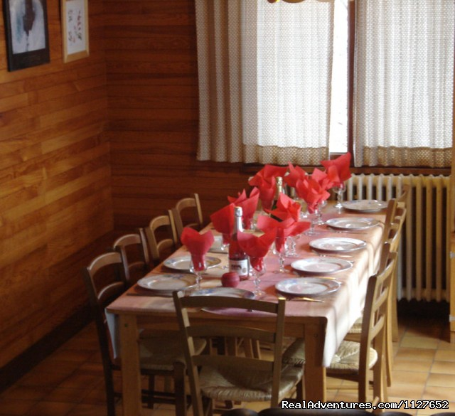 Chalet dining area - Ski and Summer Breaks in La Clusaz