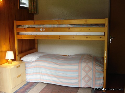 Chalet bunk room - Ski and Summer Breaks in La Clusaz