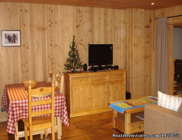 Apartment lounge area - Ski and Summer Breaks in La Clusaz