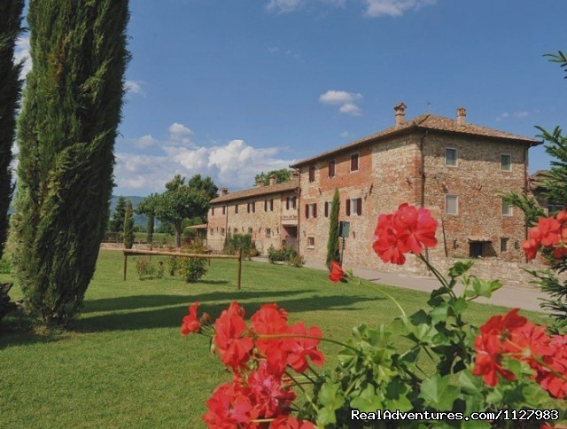Tuscany 13th century villa selfcatering apartments