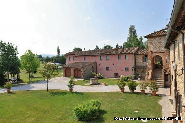 Garden - Tuscany 13th century villa selfcatering apartments