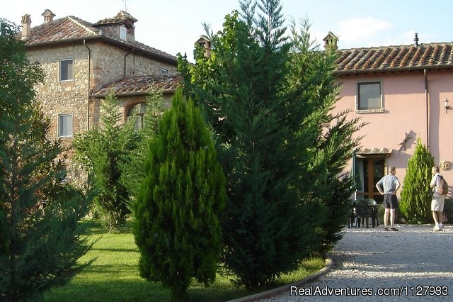 The Garden - Tuscany 13th century villa selfcatering apartments