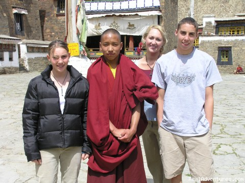 Meeting Buddhist Monks - Cultural Education/ Volunteer Tours