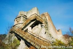 Poenari Castle - Romania Tours, Transylvania Tours & Dracula Tours