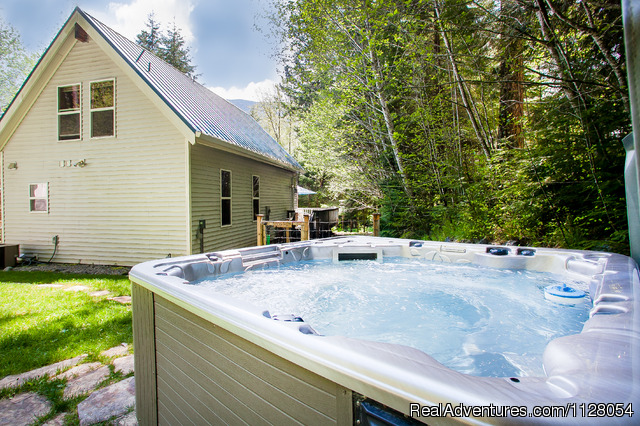 Little Bears Cabin - Luxury Cabins w/hot tubs, fire pit - Mt. Rainier