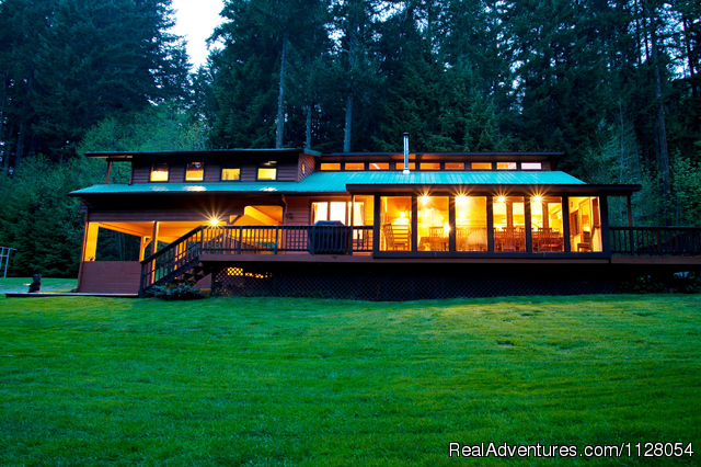 Dancing Bear Lodge - Luxury Cabins w/hot tubs, fire pit - Mt. Rainier