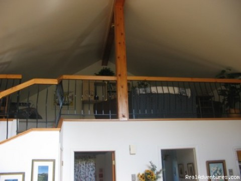 Loft Family Room - Charming slopeside chalet with private lake access