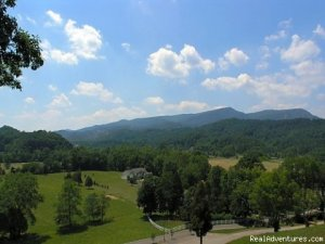 Everyone Deserves To Step Into Paradise! Vacation Rentals Pigeon Forge, Tennessee