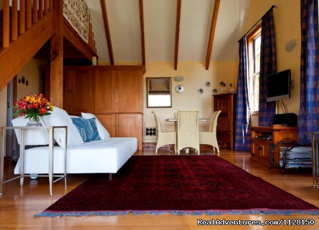 - Romantic NZ country cottage: 5-Star B&B  Waitomo