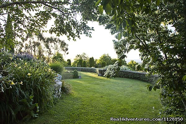 The lower garden at Kamahi near Otorohanga, NZ - Romantic NZ country cottage: 5-Star B&B  Waitomo