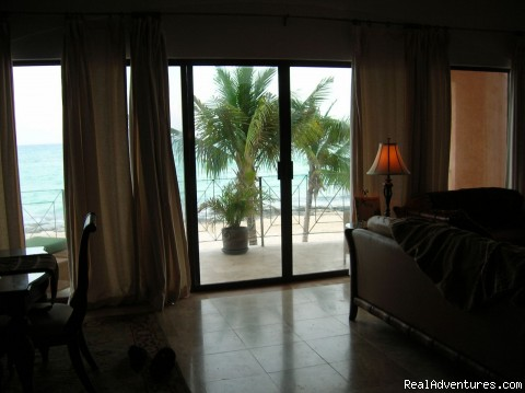 The view is dazzling - True Beachfront Luxury Condo