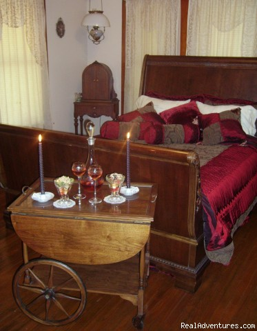 Romantic Getaways At  Alla's Historical B & B