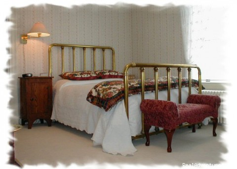 Enchanted Cottage Room - Luxurious accommodations in a relaxed atmosphere!