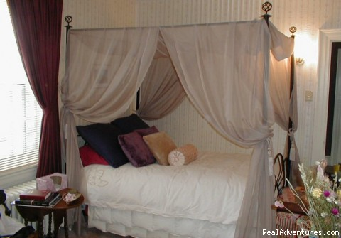 1890's Room - Luxurious accommodations in a relaxed atmosphere!